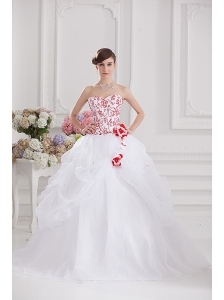2014 Ball Gown Sweetheart Appliques and Pick ups Quinceanera Dress in White