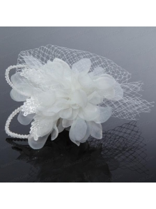 2014 Romantic Feather Pearl Tulle White Fascinators