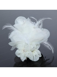 Elegant Apple Green Feather and Tulle Imitation Pearls Fascinators
