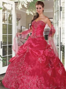 2015 Exclusive Sweetheart Embroidery Dress for Quinceanera in Red