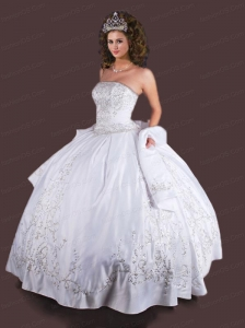 Elegant White Embroidery Quinceanera Dress with Beading