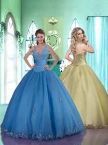 Simple V-neck Blue Quinceanera Gown with Lace Appliques