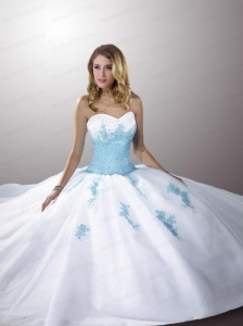 The Super Hot White Sweetheart Organza Quinceanera Dresses with Blue Appliques