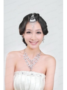 Gorgeous Rhinestone Wedding Jewelry Set Including Necklace And Headpiece