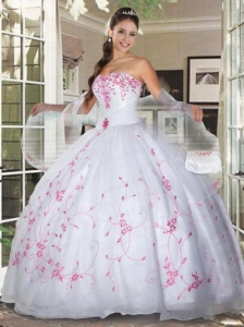 Sweetheart White Organza Quinceanera Gown with Pink Appliques