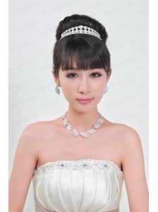 Vintage Style Pearl With Rhinestons  Necklace And Tiara