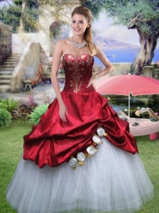Sweetheart Appliques and Hand Made Flowers Quinceanera Gown