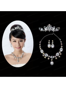 Shimmering Ladies Necklace and Tiara Jewelry Set