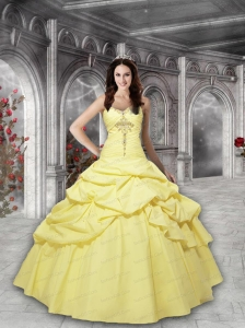 2015 Elegant Sweetheart Beading and Pick-ups Quinceanera Gown in Yellow
