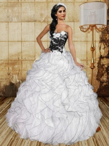 2015 Ruffles and Appliques Quinceanera Dresses in White and Black