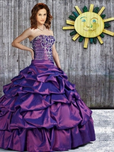 2015 Elegant Strapless Purple Quinceanera Dress with Pick Ups and Beading