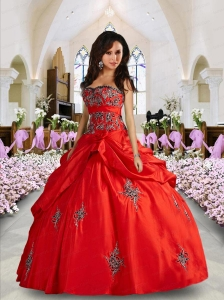 2015  Gorgeous Sweetheart Wine Red Quinceanera Dresses with Appliques and Pick-ups