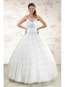 2015 Pretty White Quinceanera Dresses with Appliques and Beading