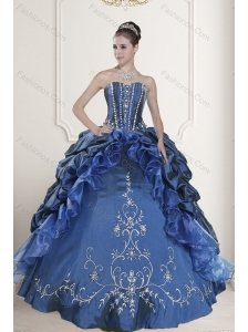 2015 Luxurious Embroidery and Beading Dresses for Quinceanera