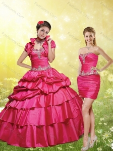 2015 Red Strapless Quinceanera Dresses with Appliques and Pick Ups