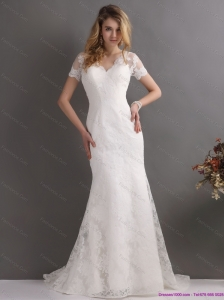 2015 New and Classical V Neck Lace Wedding Dress with Short Sleeves