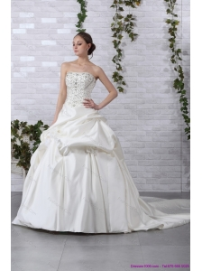 2015 Plus Size Strapless Beading Wedding Dress with Brush Train