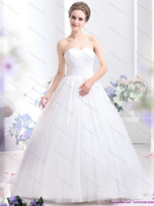 2015 Romantic Sweetheart Beach Wedding Dress with Lace