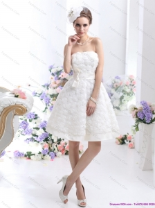 Short White Strapless Wedding Dresses with Bownot and Rolling Fowers