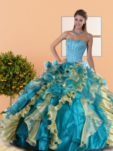 2015 Beautiful Sweetheart Quinceanera Dress with Beading and Ruffles