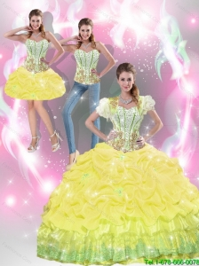 2015 Beautiful Yellow Quinceanera Dresses with Beading and Pick Ups