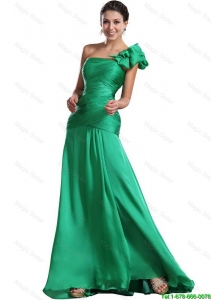 Discount Brush Train Ruched Green Prom Dresses with One Shoulder