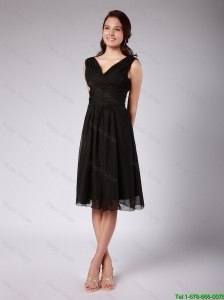 Fashionable Ruched Black Chiffon Prom Dresses with V Neck