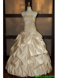 New Style Ball Gown Strapless Wedding Dresses with Beading and Pick Ups