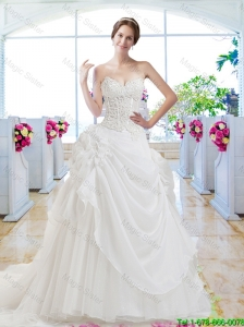 Pretty Sweetheart Appliques Wedding Gown with Chapel Train
