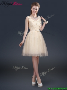 Lovely Scoop Bridesmaid Dresses with Appliques and Belt