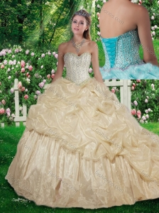2016 Cute Brush Train Beading Quinceanera Dresses