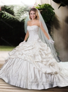 Beautiful Strapless Beading Chapel Train Wedding Dresses with Appliques