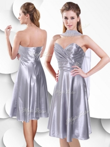 2016 Best Empire Elastic Woven Satin Silver Dama Dresses for Quinceanera with Beading and Ruching