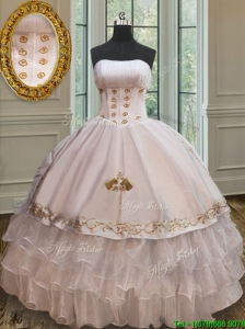 2017 New Embroideried and Ruffled Layers Quinceanera Dress in Organza and Taffeta