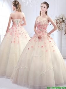 Pretty Sweetheart Wedding Dress with Applique Decorated Skirt