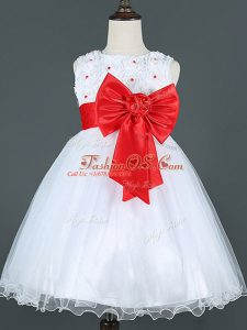 Trendy Sleeveless Tulle Knee Length Zipper Little Girls Pageant Dress in White with Bowknot