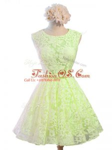 Glamorous Yellow Green Lace Lace Up Scoop Sleeveless Knee Length Wedding Party Dress Belt