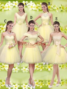Knee Length A-line Sleeveless Light Yellow Dama Dress for Quinceanera Lace Up