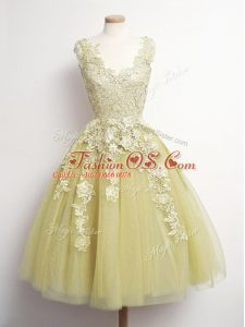 Classical Yellow A-line V-neck Sleeveless Tulle Knee Length Lace Up Appliques Wedding Guest Dresses