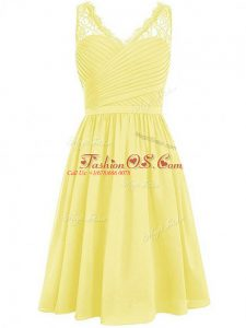 Luxurious Sleeveless Chiffon Knee Length Side Zipper Wedding Party Dress in Yellow with Lace and Ruching