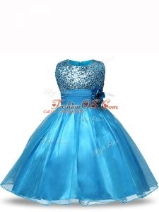 Latest Baby Blue Sleeveless Knee Length Sequins and Hand Made Flower Zipper Little Girl Pageant Gowns
