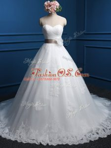Lace Up Bridal Gown White for Wedding Party with Appliques and Hand Made Flower Brush Train