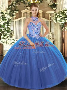 Modern Halter Top Sleeveless Tulle Quinceanera Dress Embroidery Lace Up