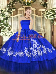 Sleeveless Zipper Floor Length Embroidery Quinceanera Gowns