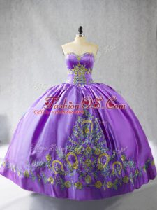 Eye-catching Sleeveless Satin Floor Length Lace Up Vestidos de Quinceanera in Lavender with Embroidery