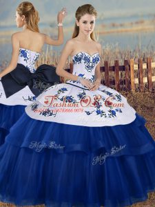 Sweetheart Sleeveless Tulle Quinceanera Dress Embroidery and Bowknot Lace Up