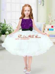 White Organza Zipper Scoop Sleeveless Knee Length Flower Girl Dress Sequins and Hand Made Flower
