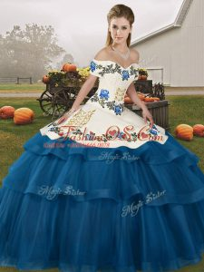 Hot Sale Sleeveless Tulle Brush Train Lace Up Quinceanera Gown in Blue with Embroidery and Ruffled Layers