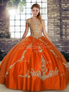 Off The Shoulder Sleeveless Tulle Quinceanera Gowns Beading and Embroidery Lace Up