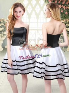 New Arrival Organza Strapless Sleeveless Zipper Ruffled Layers and Hand Made Flower in White And Black